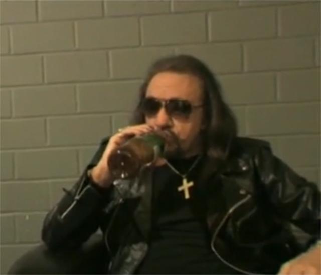 Ace startar ny turné i Mars?