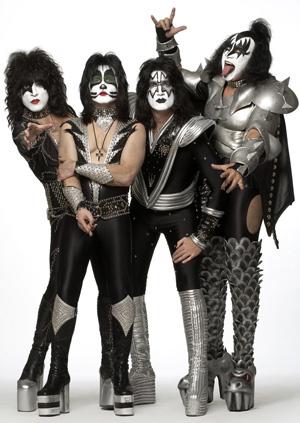 Festivalbussen anordnar resor till Kiss…