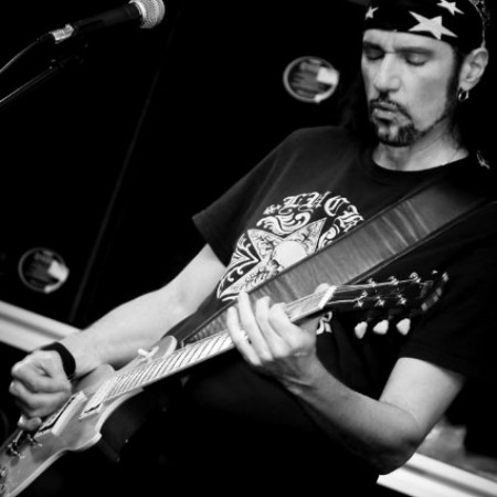 Gitarrlektioner med Bruce