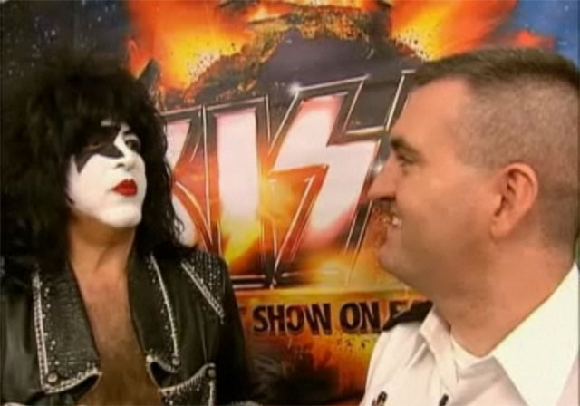 Kiss på Pentagon Channel