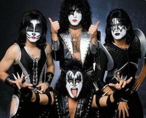Top 21 med Kiss