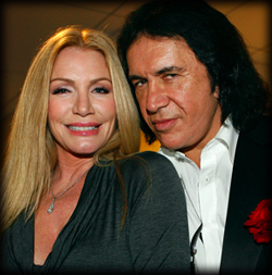 Gene Simmons gifter sig….