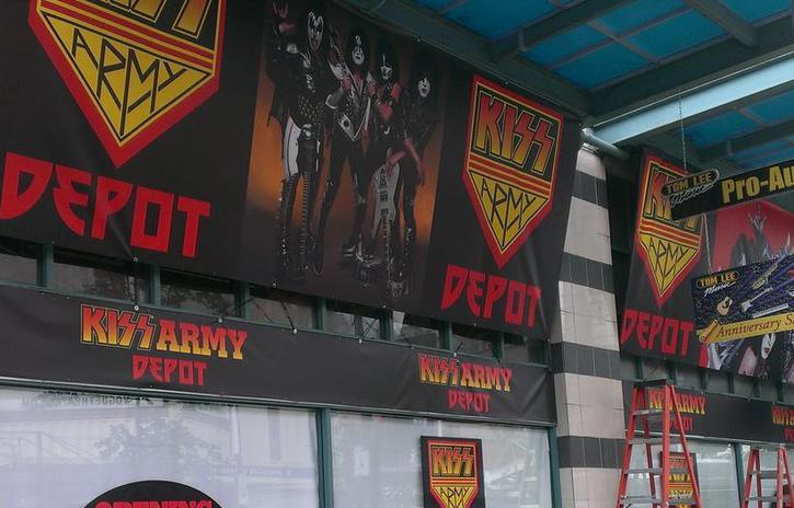 KISS Army Depot öppnar idag….
