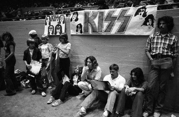 Återblick – Kiss at Cow Palace, '77