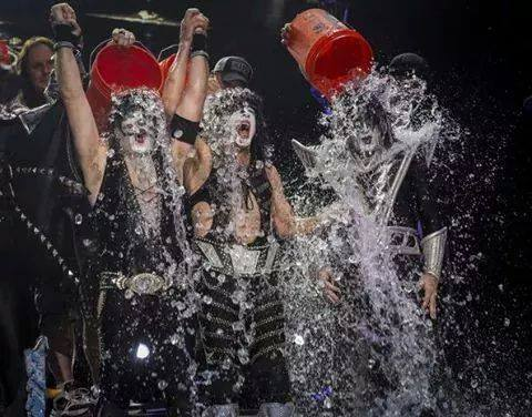 Kiss – ALS Ice Bucket Challenge