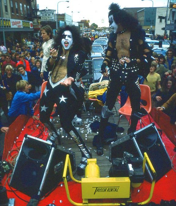 Kiss i Cadillac High – 1975