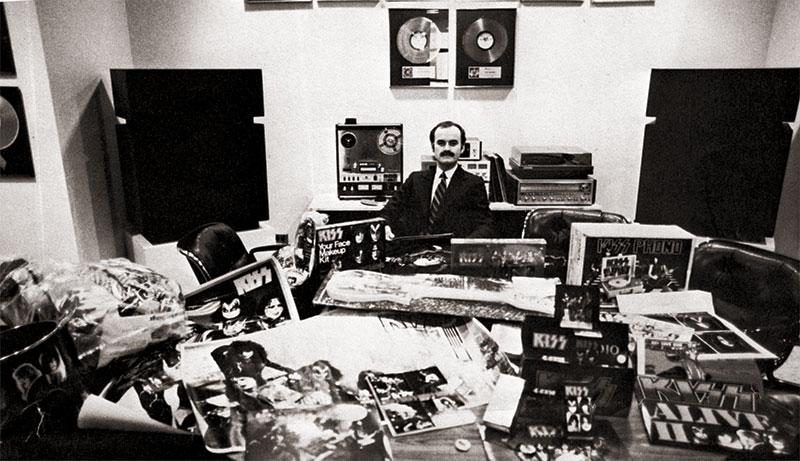 Från barband till tecknade superhjältar – Exklusiv intervju med Bill Aucoin
