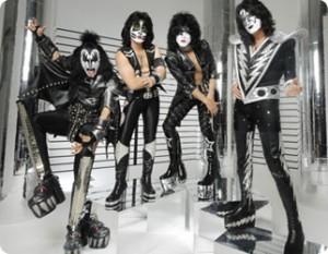 Kiss chattar på Facebook
