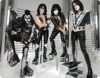 Kiss hyllar Dio