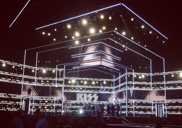 Ikväll spelar KISS i New York….